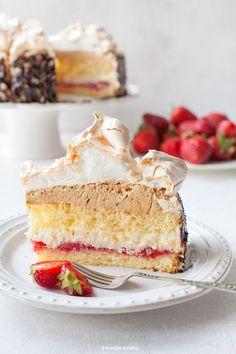 Tort Royal z truskawkami