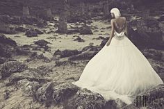 Julia Kontogruni 2014 collection - Bridal - http://www.flip-zone.com/fashion/bridal/the-bride/julia-kontogruni-4731