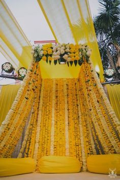 Delhi wedding with gorgeous wedding decor - Delhi wedding with gorgeous wedding decor Si - Desi Wedding Decor, Wedding Hall Decorations, Marriage Decoration, Wedding Mandap, Backdrop Decorations, India Wedding, Wedding Themes, Wedding Ideas, Wedding Receptions