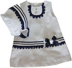 Descripción del artículo: Ropa Verano niña de 0 a 5 años, , Vestido y capota blanco y marino piqué brocado.. Tienda Virtual