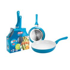This colourful frying pans set from Ibili is just the thing you need to cook a great breakfast! The interior is coated with a high quality, PFOA free non-stick ceramic coating and a comfortable silicone handle for added safety and ease of use. Food Packaging, Packaging Design, Appliance Packages, Packing Boxes, Ceramic Coating, Innovation Design, Kitchenware, Household, Appliances