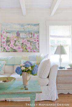 Adding color to a white room. House of Turquoise: Tracey Rapisardi Design Beach Cottage Style, Beach Cottage Decor, Coastal Cottage, Cottage Chic, Coastal Decor, Coastal Style, Seaside Style, Cottage House, Shabby Cottage