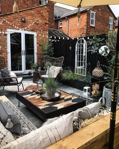Conception De Jardin Potager - New ideas Backyard Patio Designs, Backyard Landscaping, Small Patio Design, Outside Living, Outdoor Living, Gazebos, Outdoor Spaces, Outdoor Decor, Outdoor Balcony