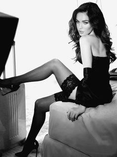 Megan Fox black lingerie sexy <3