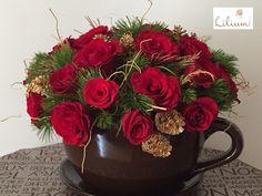 LOS MEJORES ARREGLOS FLORALES A DOMICILIO. Diciembre es sinónimo de festividad y en Lilium tenemos los diseños más hermosos y originales para estas fechas tan especiales, nada mejor para dar color al hogar que un hermoso diseño elaborado con Nochebuenas. Le invitamos a conocer nuestra colección navideña a través de nuestra página de internet www.lilium.mx. Disfrute de la belleza y color de las flores con Lilium, el mejor portal para compra y envío de flores a domicilio. #diseñofloral