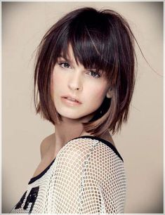 Blunt Bob Hairstyles with Pony in Trend Stumpfe Bob-Frisuren mit Pony im Trend 2019 Blunt Bob Hairstyles with Pony on Trend 2019 Bob Hairstyles For Fine Hair, Best Short Haircuts, Curly Hair Cuts, Medium Hair Cuts, Trending Hairstyles, Hairstyles Haircuts, Short Hair Cuts, Curly Hair Styles, Haircut Medium