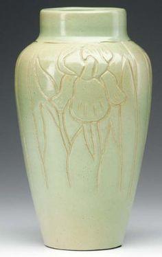 NORTH DAKOTA SCHOOL OF MINES Vase Deeply Carved By