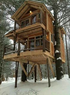 I'd like to live in this tree house!