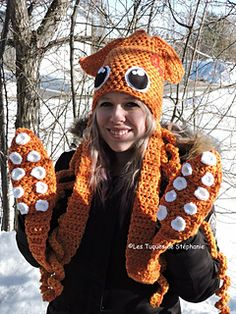 Ravelry: Squid hat mittens tentacle octopus pattern by Les Tuques De Stephanie Crochet Crafts, Yarn Crafts, Crochet Projects, Crochet Hood, Knit Crochet, Crochet Things, Crochet Scarves, Crochet Clothes, Crochet Octopus