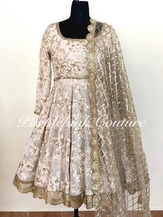 Dress Indian Style, Indian Fashion Dresses, Indian Designer Outfits, Indian Wear, Indian Outfits, Designer Dresses, Pakistani Wedding Outfits, Pakistani Dresses Casual, Stylish Dress Designs