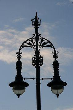 Lamp post Nieuwe Amstelbrug, Amsterdam