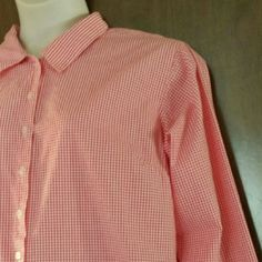 Red gingham? Oh boy! Plus size button-front shirt Charming 100% cotton long-sleeved gingham shirt by Cherokee. Floral print inside the back yoke and cuffs. Looks sweet with jeans and boots, even better with a little vest and cowgirl hat! Excellent used condition. Cherokee Tops Button Down Shirts