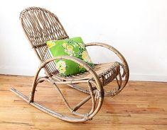 Bezpečný priestor pre seniora. Rocking Chair, Furniture, Home Decor, Rocking Chairs, Home Furnishings, Home Interior Design, Decoration Home, Home Furniture, Home Decoration