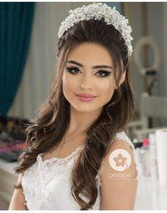 Hairstyles - Hair Style Ideas for Men & Women in 2020 Wedding Hairstyles With Crown, Hairdo Wedding, Long Hair Wedding Styles, Indian Bridal Hairstyles, Bride Hairstyles, Bridesmaid Hairstyles, Bridal Makeup Looks, Bride Makeup, Wedding Hair And Makeup
