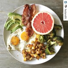 This plate is perfection! I believe I saw on Snapchat this morning that Cassy seasoned the potatoes with our Meat & Potatoes Seasoning too!   Repost @fedandfit with @repostapp.  Home home on the range. Where the breakfast broccoli potatoes grapefruit avocado bacon and eggs all play.  #fedandfitproject COMING SOON.  #primalpalatespices