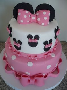 Titi first birthday ideas ❤️ Torta Minnie Mouse, Mickey Mouse Clubhouse Cake, Bolo Minnie, Minnie Mouse Birthday Cakes, Minnie Mouse Cake, Mickey Birthday, Mickey Cakes, 2nd Birthday Party For Girl, Baby Birthday Cakes