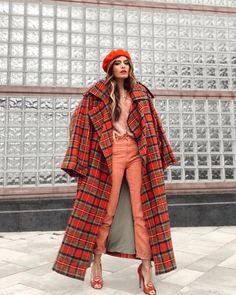 Autumn Winter Fashion, Spring Fashion, Winter Wear, Stylish Outfits, Fashion Outfits, Spanish Fashion, Plaid Coat, Runway Fashion, Style Inspiration