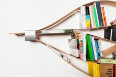 Chuck (oiled) - the flexible wall shelf By Natascha Harra-Frischkorn, hafriko