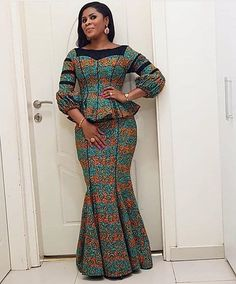 ankara stil Ankara six pieces skirt With a marching blouse has zip at the back to fit. In case you want it cutomised kindly send in your measurements in case it is not the same as the stan Ankara Skirt And Blouse, African Maxi Dresses, African Fashion Ankara, Latest African Fashion Dresses, African Dresses For Women, Ankara Dress, African Print Fashion, Africa Fashion, African Attire
