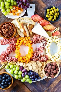 Build an epic New Year's Eve Charcuterie Board to ring in the new year. New Years Eve Snacks, New Years Eve Menu, New Year's Snacks, New Year Menu, New Years Eve Dessert, Kids New Years Eve, New Year's Eve Appetizers, Party Snacks, Appetizer Ideas