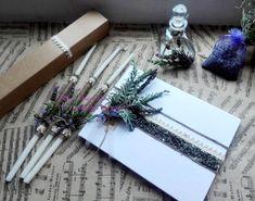 Σετ λαδιού και ευχολόγιο με φυσική λεβάντα και δεντρολίβανο. Baptism oil set and wish list with natural lavender and rosemary. Baptism Decorations, Gift Wrapping, Gifts, Paper Wrapping, Presents, Wrapping Gifts, Favors, Gift Packaging, Gift