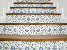 Set of 15 strips stickers for stairs with a beautiful calm decor in a vintage style in calm blue and beige colors. You can rearrange and play around with the patterns to create a unique and amazing look for your stairs. Made of 100% Quality German vinyl. Removable sticker, super easy to apply! We are the best in high quality wall decals. Cheap affordable wall sticker decals. You can choose your own size from the description above. INCLUDED IN THIS ITEM: Decals: Vintage blue and beige (a s...