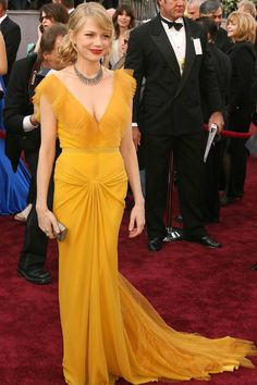 Michelle Williams in my favorite celebrity sartorial moment ever.  Vera Wang gown, Oscars 2006.