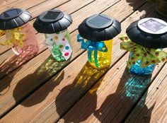 The Six Sisters Stuff are here sharing their stained mason jar tutorial and you won't believe how simple it is! Solar Lanterns, Solar Lamp, New Crafts, Creative Crafts, Creative Ideas, Solar Outside Lights, Staining Mason Jars, Recycled Paper Crafts, Solar Light Crafts
