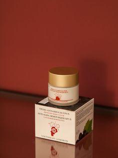 Die Creme wurde für die Behandlung trockener und gealterter Haut gemacht und erleichtert das Einziehen der Nährstoffe. Vitamin C, Creme, Anti Aging, Container, Tableware, Food, Lanzarote, Dinnerware, Tablewares