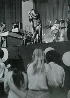 The Doors moving their first steps at the Whisky a Go Go club.