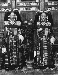 Prime Minister Lonchen Shokhang's daughter on the right, with Captain Tsoko's wife on the left. Lhasa, 1920-21.