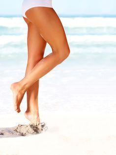 Schlanke Beine sind etwas Tolles. Sie möchten am Oberschenkel abnehmen? Fitnesstrainer David Kirsch macht Sie fit - mit vier Übungen, in