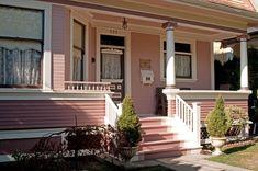 Exterior Color Palette, Exterior Paint Colors For House, Exterior Colors, Exterior Design, Pink Houses, Cottage Homes, Beautiful Homes, New Homes, House Design