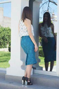 Falda tubo encaje azul verde fashion designer diseño de modas