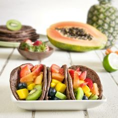 Fruit tacos with chocolate tortillas. Great for a healthy cinco de mayo dessert, or even brunch. #vegan