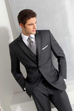 2 Button Notch - Single Breasted - Ike Behar - Andrews Formals - Toronto's Premiere Tuxedo Store - for the boys?? eb