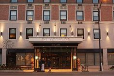 Hotel Lincoln, a Joie de Vivre Hotel (1816 North Clark Street) Across the street from Lincoln Park, this hip hotel is 10 minutes' walk from Lincoln Park Zoo.  Featuring an on-site restaurant, each room in this historic building is modernized with free WiFi access. #bestworldhotels #travel #us #chicago