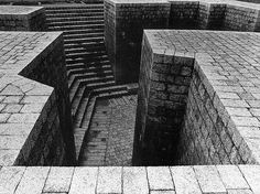 Plaza de los Fueros  .  Eduardo Chillida  .  1982