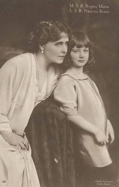 Queen Marie and Princess Ileana of Romania. Queen Victoria was the grandmother of most of European royals. Old Photos, Vintage Photos, Romanian Royal Family, Queen Victoria Family, European History, Asian History, Tudor History, British History, Little Paris
