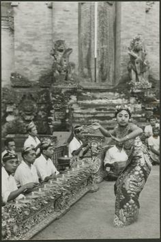 Indonesia, Bali ~ Gamelan and dancer