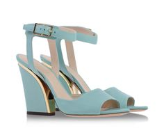 Light blue sandals with metallic detail by Chloé. #luxury #leather #fashion #mode #shoes