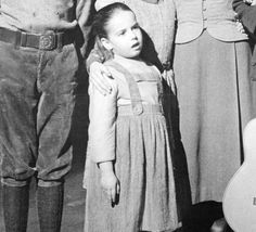 Gretl (Kym Karath) Beginning her acting career at the age of three, she had appeared in Spencer's Mountain (1963), The Thrill of It All (1963), and Good Neighbor Sam (1964) before winning the role of the youngest child in the film.