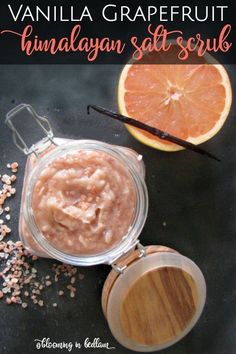 Vanilla Grapefruit Himalayan Salt Scrub helps eliminate toxins with the cleansing effects of grapefruit essential oil & the beneficial minerals from Himalayan Sea Salt #grapefruitbodyscrub #VanillaEssentialOil