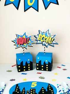 party table pictures, party table ideasSuperhero/Comic Book Table Decoration and Comic Book Sign. Adding those extra touches to your little ones party. Batman Birthday, Superhero Birthday Party, 3rd Birthday Parties, Birthday Party Decorations, Superhero Party Decorations, Decoration Party, Spider Man Party, Superman Party, Superhero Centerpiece