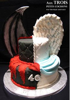 Angel & Demon cake by angie rule Mais Pretty Cakes, Cute Cakes, Beautiful Cakes, Yummy Cakes, Amazing Cakes, Bolo Halloween, Halloween Cakes, Crazy Cakes, Fancy Cakes