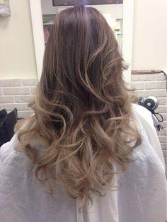 グラッシュ(グラデーションメッシュ)/ANKH CROSS gaudy【アンク・クロス ガウディ】をご紹介。2016年秋冬の最新ヘアスタイルを100万点以上掲載!ミディアム、ショート、ボブなど豊富な条件でヘアスタイル・髪型・アレンジをチェック。