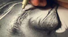 Pontilhismo - Técnica de pontilhismo de Miguel Endara - Rosto do pai desenhado com pontos. - Ilustração com caneta Nankin - Desenho feito com pontos.