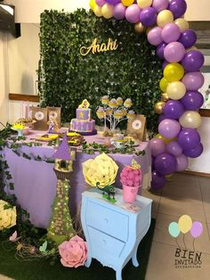 Anahí's Rapunzel 4th birthday party | CatchMyParty.com Baby Girl Birthday Theme, Rapunzel Birthday Party, 2nd Birthday Party Themes, Tangled Party, Birthday Party Centerpieces, Tea Party Birthday, Birthday Decorations, Tinkerbell Party, Princess Birthday