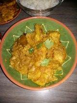 Ik ben gek op kip en op kokos dus dit recept is een van mijn favorieten uit de Indische keuken Het is een recept van Danny Jansen maar zoooo lekker dat ik hem gewoon moet delen met iedereen, en het is best makkelijk te maken