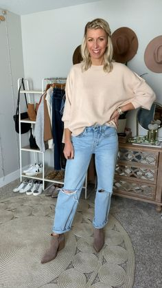 Casual School Outfits, Basic Outfits, Simple Outfits, Comfy Casual, Smart Casual, Casual Chic, Boyfriend Jeans, Mom Jeans, Winter Fashion Casual